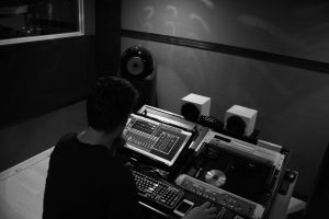 Des Grey Online Mastering Studio from 2006